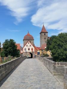 stadspoort en brug bij het plaatsje Ornbau , aan de Altmuhl