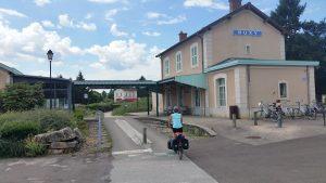 Op de voie vert vind je nog vele oude treinstationnetjes