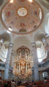 De volledig herbouwde Frauenkirche op de Marktplatz