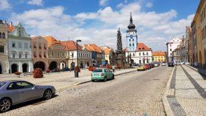 Het centrale plein van Kadaň, behoorlijk mooi maar wel vrij doods......