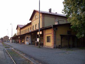 het treinstation van Rakovnik