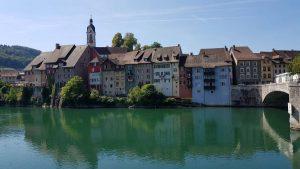 Uitzicht bij de grensovergang van Duitsland naar Zwitserland nabij Laufenburg