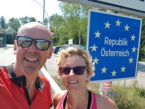 Even het fotomomentje bij de Oostenrijkse grens