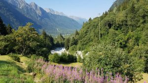Weergaloos natuurschoon: de start van de Maloja Pass