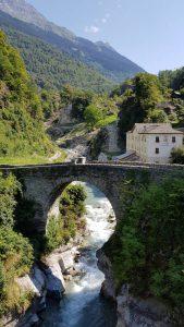 Schilderachtig: het Italiaanse plaatsje Bondo langs de rivier Mera