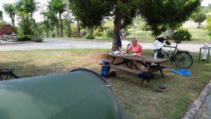 op de camping in Sainte-Foy-la-Grande